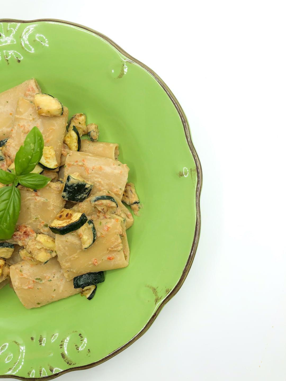 Paccheri Con Crema Vegetale Mediterranea