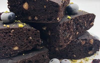 Brownie con cioccolato e nocciole