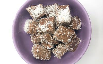 Praline light di cocco e cioccolato